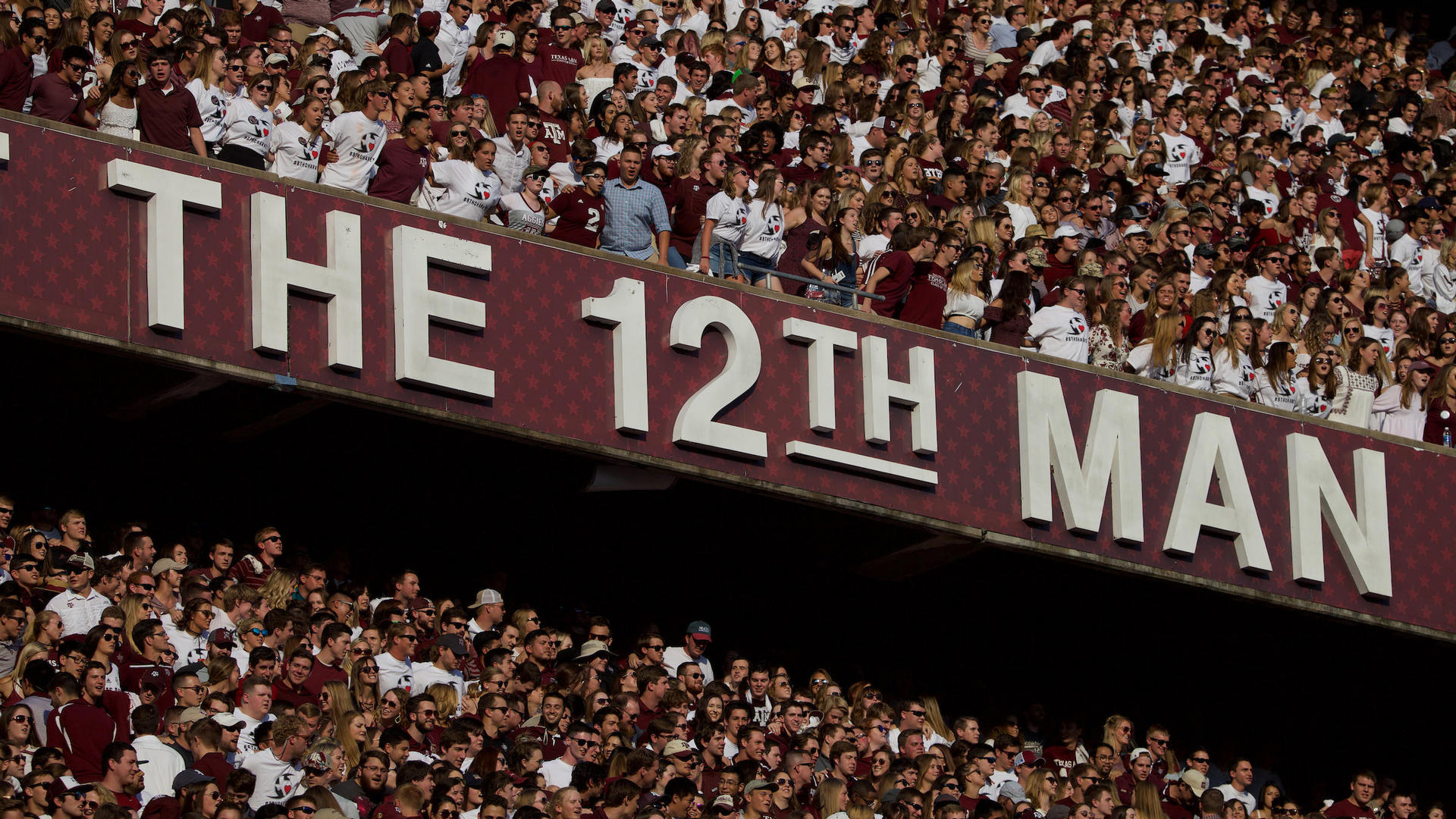 12th man sign at kyle field